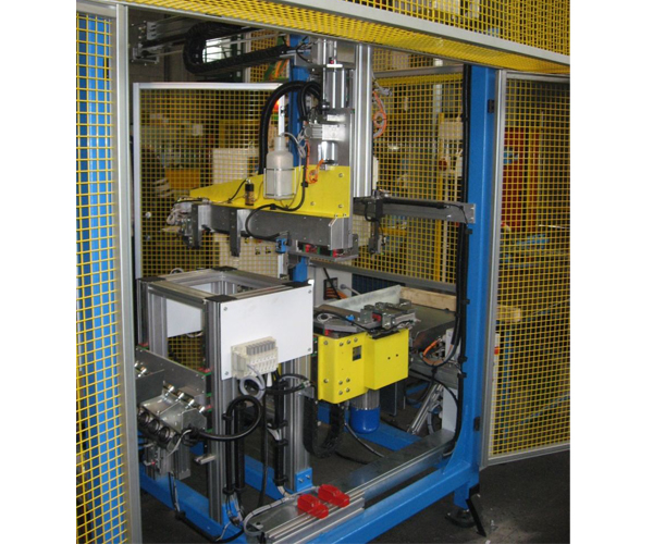 Welding machine for canisters